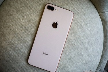 Tabletplaza sale lớn iphone 8 plus chỉ 7.990.000đ